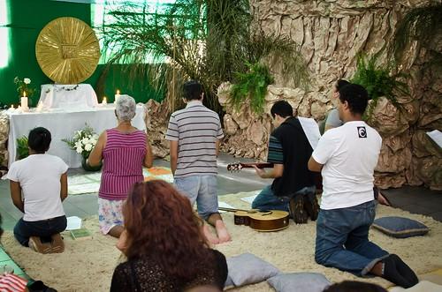 Adoração ao Santíssimo Sacramento na Capela . 22/04/2011