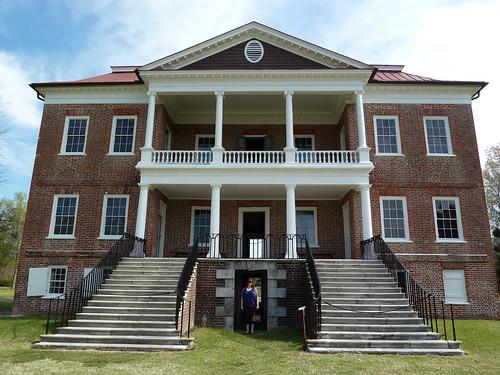 Kristen at Drayton Hall plantation