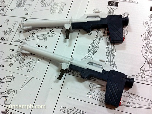Building MC RX-93 Nu Gundoom Gundam (11)