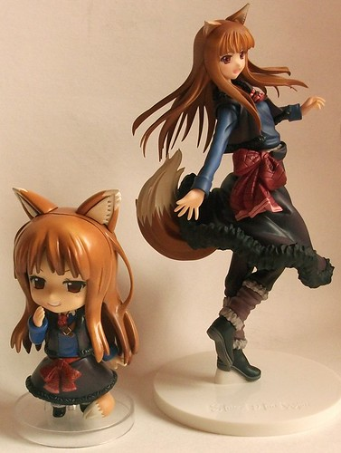 Nendoroid Holo and her scaled figure