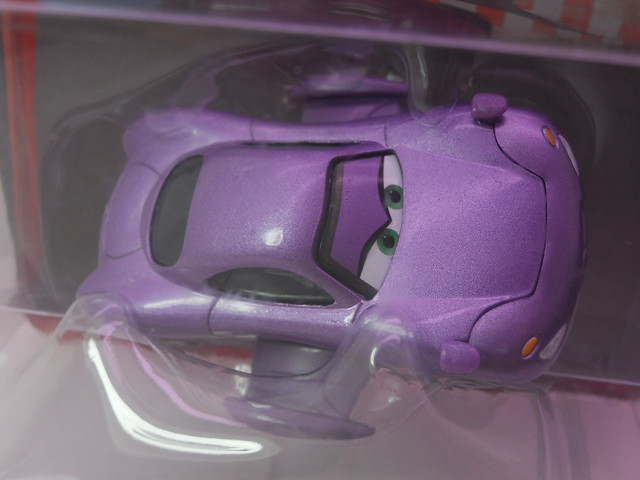 disney cars 2 holley shiftwell with wings (2)