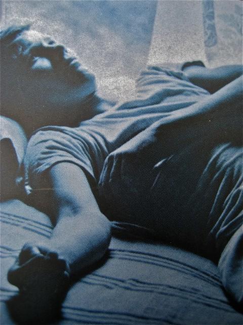 """Arthur Dreyfus, La chimica dell'incontro, Salani 2011; Progetto grafico: Elisa Zampaglione, """"In copertina: foto di Arthur Tress; copertina (part.), 10"""