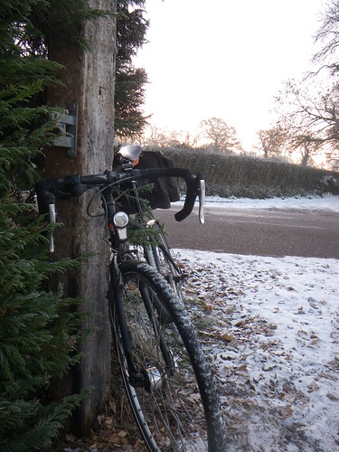 Commuting bike with ice tyres