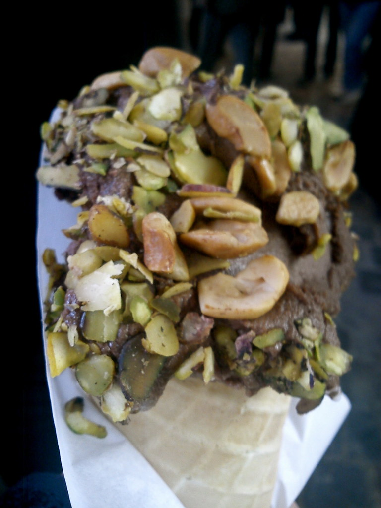 Ice Cream from Bakdash in Souq Al-Hamadiyya