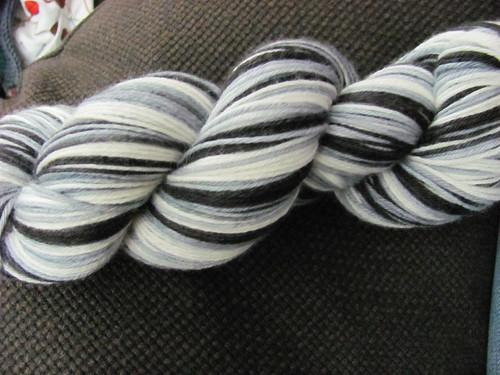 monochrome stripes b