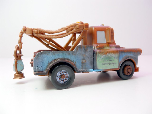 Disney Cars chase mater with glow lantern (2)