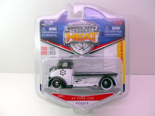 jada toys heat olice '47 ford coe (1)