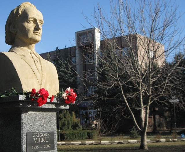 Grigore Vieru_Lenin_Balti (3)