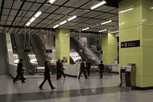 Escalators to the West Rail / Tung Chung platform at Nam Cheong station