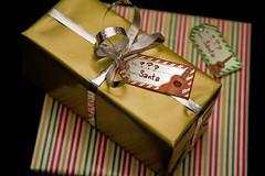 Ukulele Holiday Gift Tags (papercraft freebie)