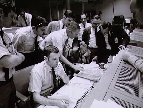Apollo13MissionControl1