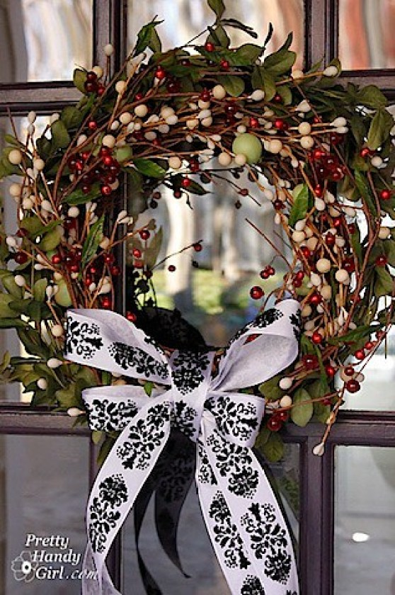clever holiday decor - wreath makeover