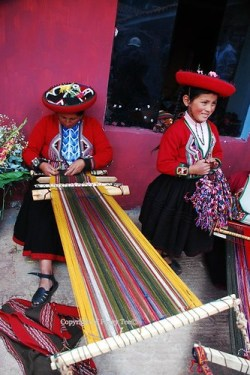 Traditional weaving, Chinchero
