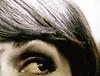 Franca Valeri, Bugiarda no, reticente, Einaudi 2010; [responsabilità grafiche non indicate], alla cop.: [ritr. fotog. b/n dell'autrice] PhotoserviceElecta / Mondadori Vintage Collection, cop. (part.), 2