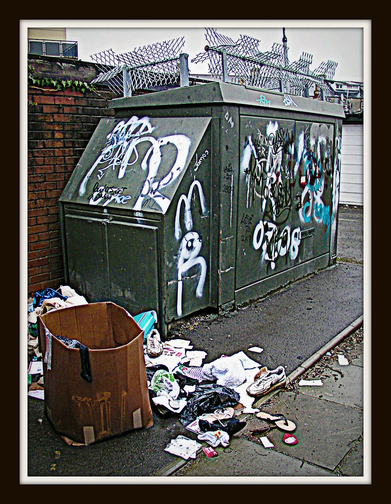 Canton Graffiti and rubbish