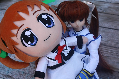 Attack of the giant plushie Nanoha!