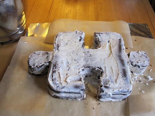 Jigsaw cake buttercream