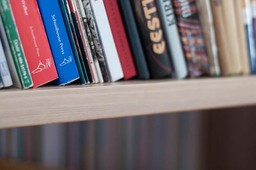 Raamaturiiul.
