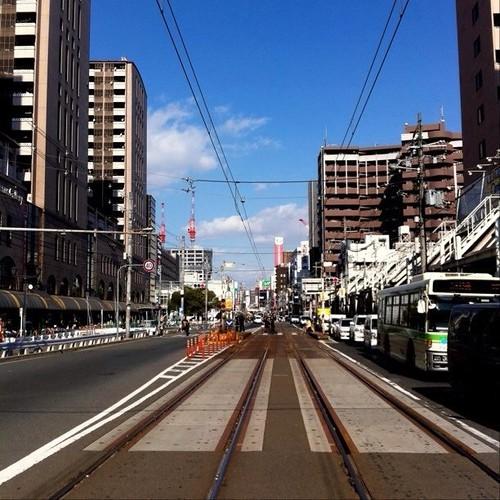 お昼だよ! 今日は曇り空なので、晴れた日の写真をどうぞ! #blue_sky #sky #Osaka