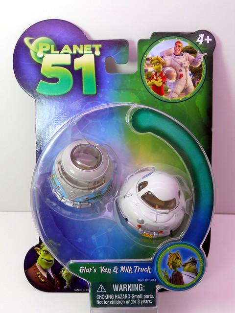 Planet 51 Glar's van & Milk Truck (1)