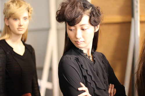 RACHEL COMEY FALL 2011- BACKSTAGE (11)