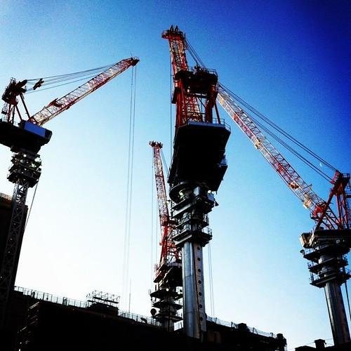 朝礼! みなさん、おはようございます。今週も笑顔で、参りましょう!ლ(^ε^ლ) #prayforjapan #crane