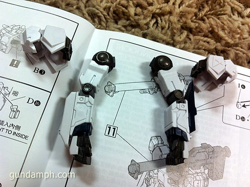 Building MC RX-93 Nu Gundoom Gundam (10)