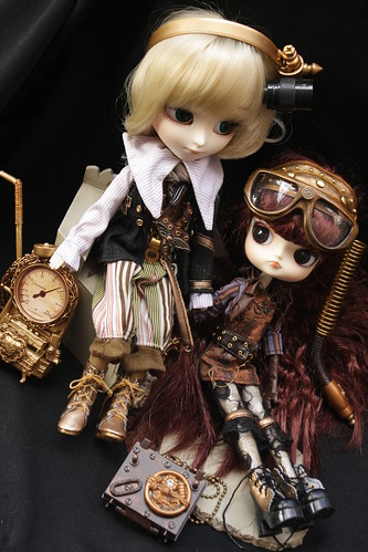 125/365- Jules and Verne (Steampunk Isul and Dal)