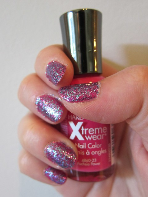 Sinful Colors in Frenzy + Sally Hansen Xtreme Wear in Fuchsia Power