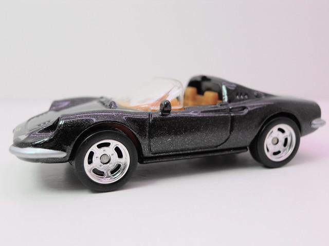 hot wheels garage ferrari dino 246 gts blk (2)