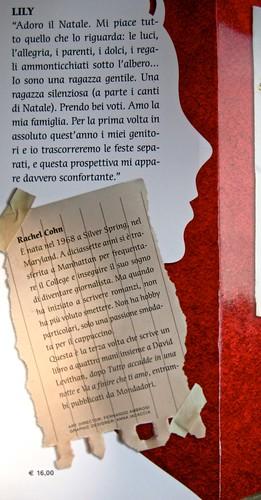 Come si scrive ti amo, di Rachel Cohn & David Levithan, Mondadori 2011; Art director: Fernando Ambrosi, graphic designer: Anna Iacaccia; risvolto della q. di cop. (part.), 1