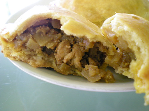 Loke Ming Yuen curry puff 2