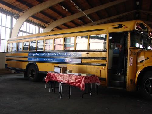 Grote Gele Bus