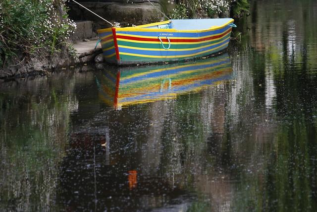 Le   bateau arc-en-ciel (o barquinho arco-iris)