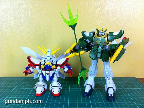 SD Archive God Gundam (27) Out Of Box Review