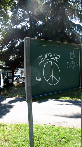 Love and peace graffiti
