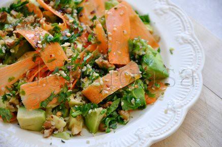 salata de morcovi, avocado, nuci & seminte de canepa (1 of 1)-2