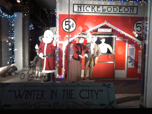 2010-12-23_window display