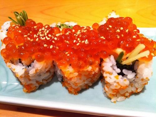 Sushi - いくら鮭ハラス巻