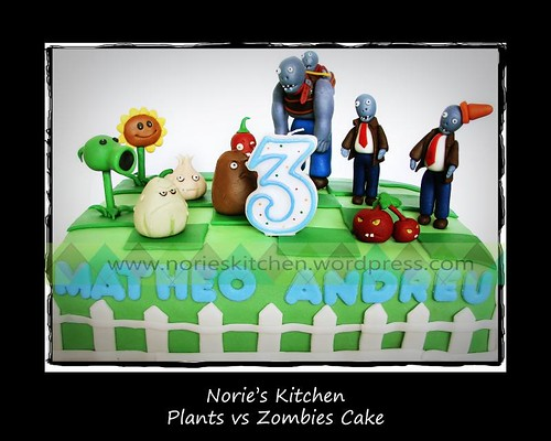 Norie's Kitchen - Plants vs Zombies Cake