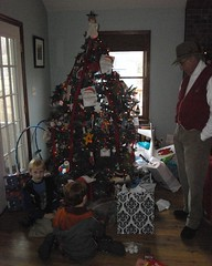 Jake, Joey & Papa around the Christmas tree at Marc & Sara's