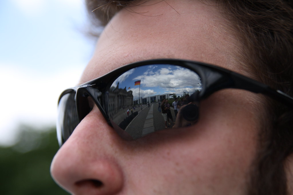 Sunglasses Reflection @ Berlin Reichstag