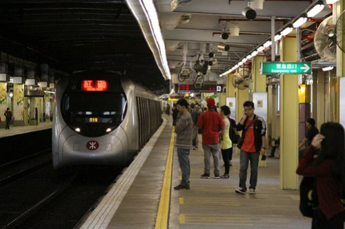 SP1900 arriving into the platform
