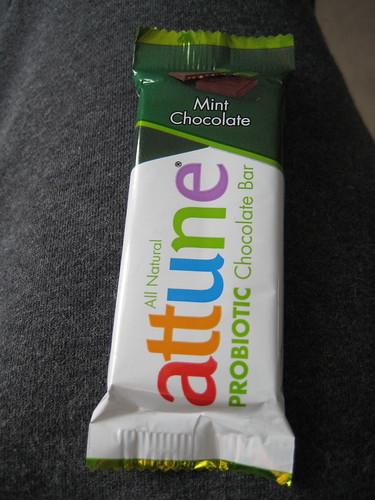 attune mint chocolate probiotic bar