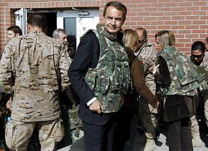 163186_zapatero_gasto_militar