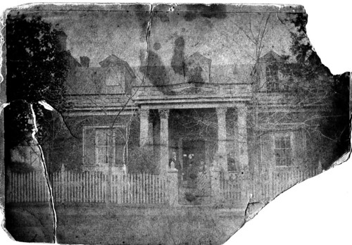Dr. J.S. Park's House before it was torn down in 1910.