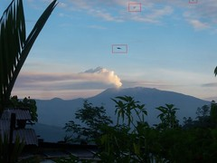 OVNIs volcán Turrialba - UFOs 2_