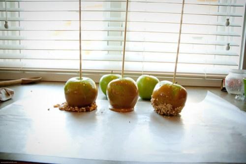 {how to} Make Caramel Apples