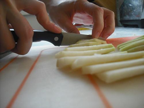 slicing kohlrabi