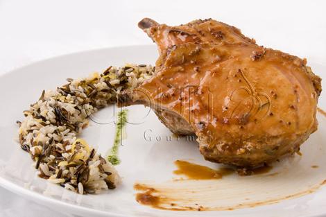4. Entre-cote de cerdo laqueado con mostaza dijon y arroz salvaje